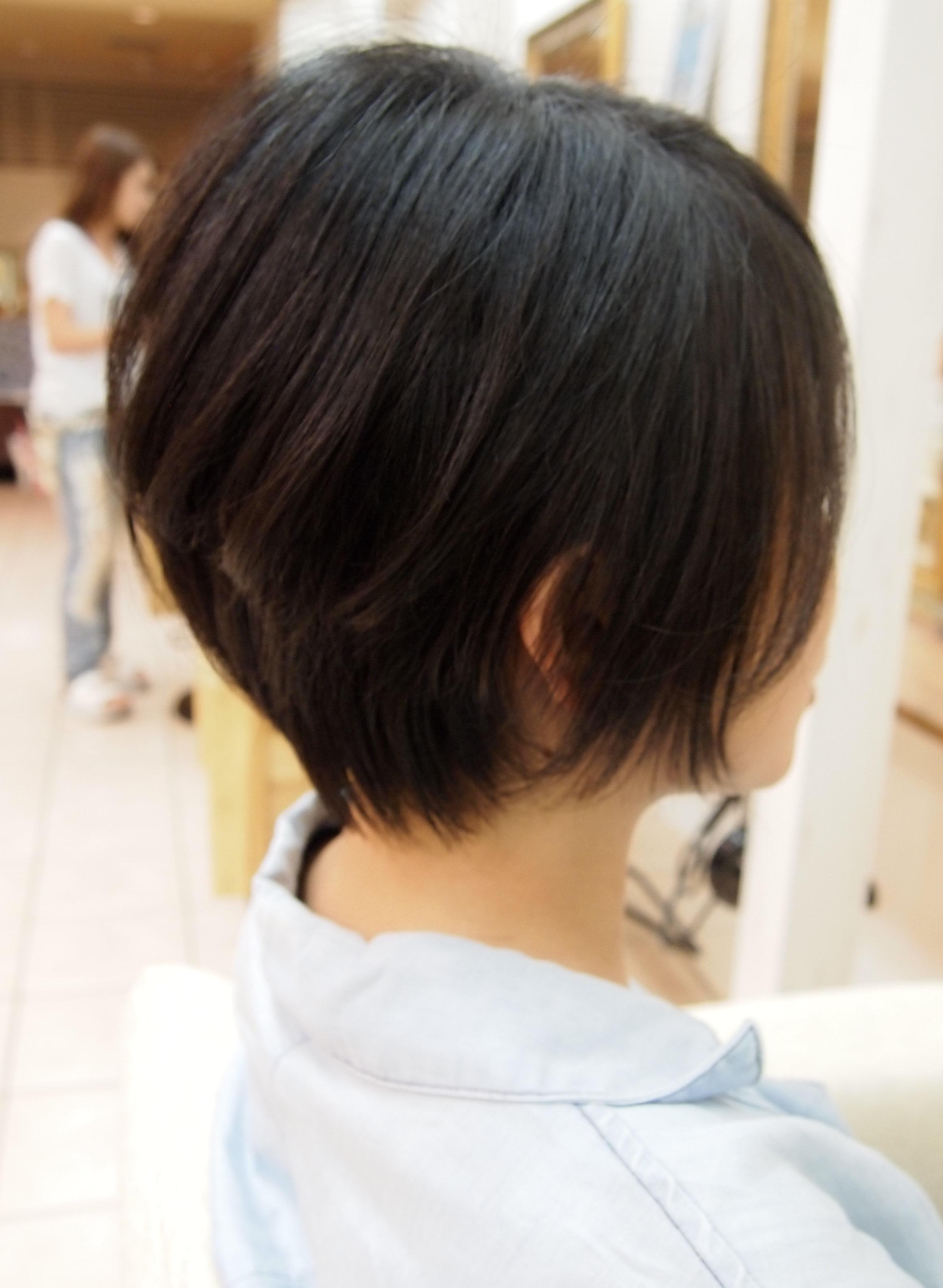 外 ハネ 50 代 髪型